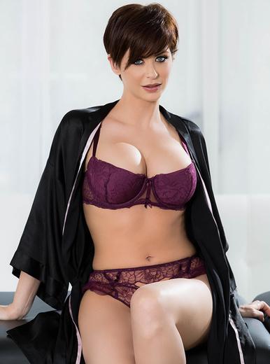 Emily Addison - XXX Pornstar