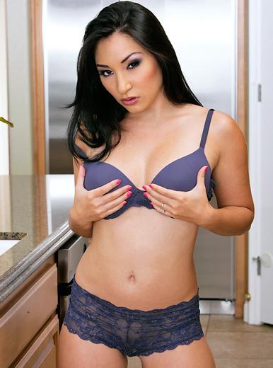 Roxy Jezel - XXX Pornstar