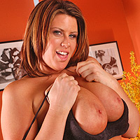 Lisa Sparx's Huge Tits Bounce While She Gets The