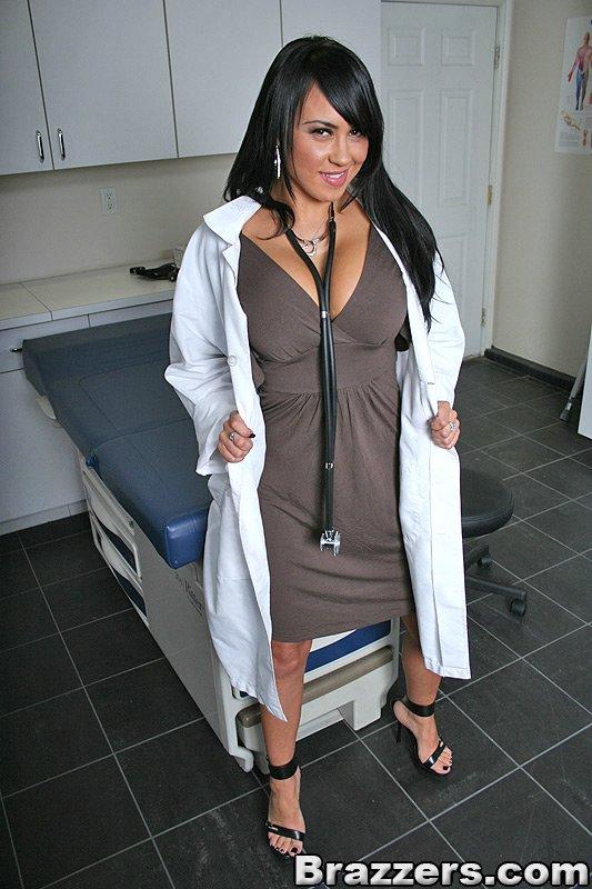 給女醫生也打一針