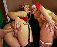 How the Grinch fucked Xmas! - Carmella Bing - Shyla Stylez - 3