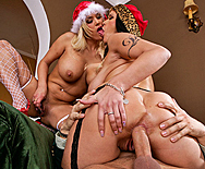 How the Grinch fucked Xmas! - Carmella Bing - Shyla Stylez - 5