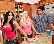 What Really Happens When Girls go to the Bathroom Together - Audrey Bitoni - Memphis Monroe - 1