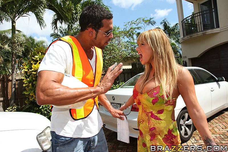 Move Get Out The Way Shyla Stylez