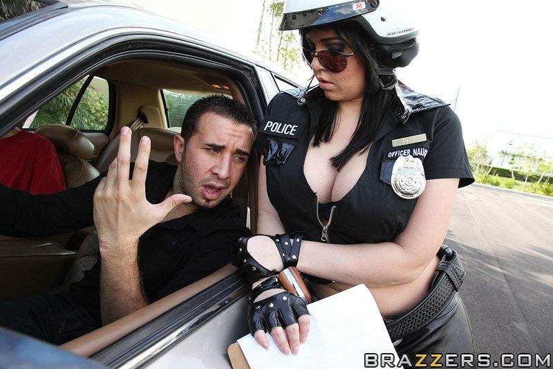 Праститутка в полицейском участке