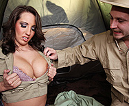 Attack of the Jugg Hungry Bees! - Kelly Divine - 1