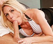 Peeping Mom - Angela Attison - 2