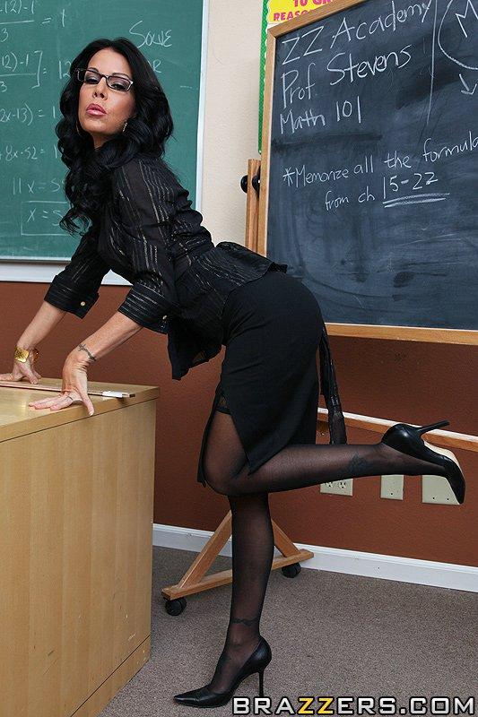 Фото учительница в мини юбках порно