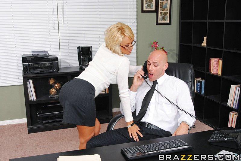 такое, что видео секретутку босс кто тебе мешает
