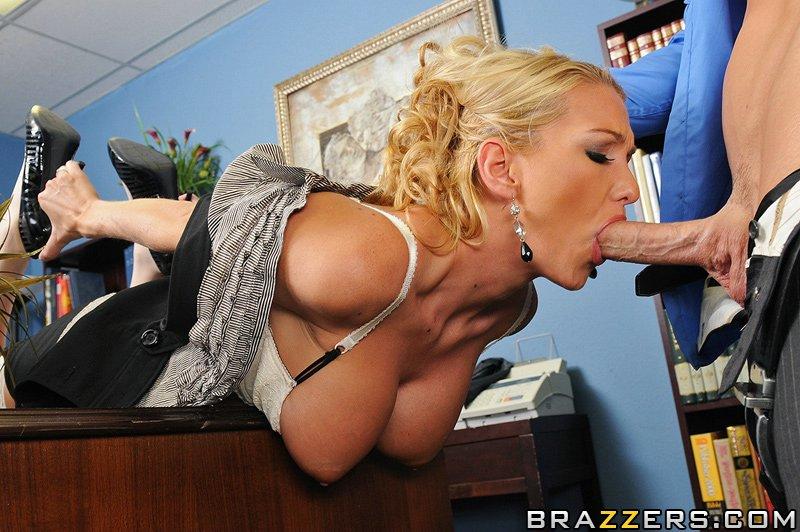порно секретарши большая грудь