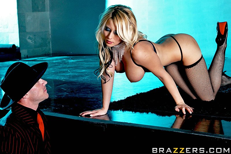 Brazzers – Madison Ivy – Red Light Burlesque – HD