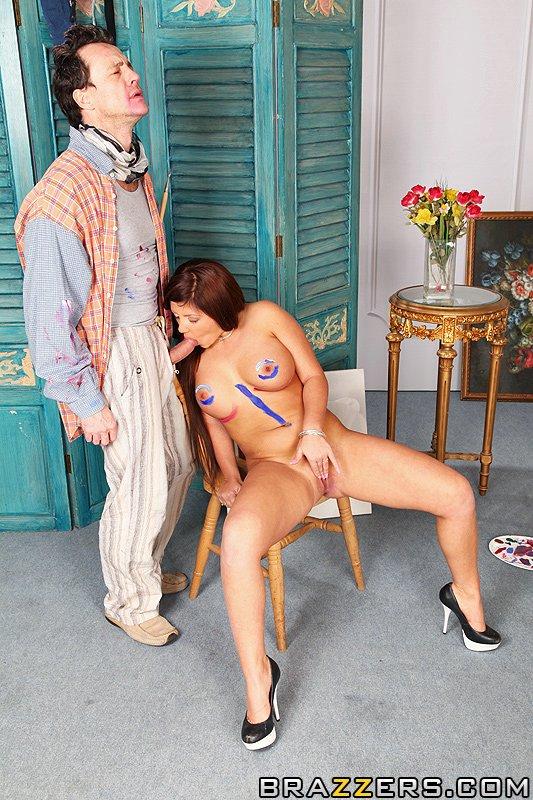Amanda Black соблазнила и трахнулась с художником