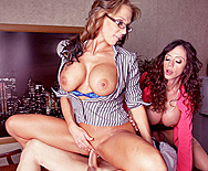 Fuck The News - Ariella Ferrera - Nikki Sexx - 4