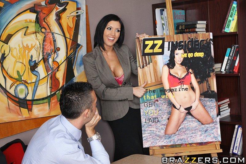 Dylan Ryder секс на столе в офисе