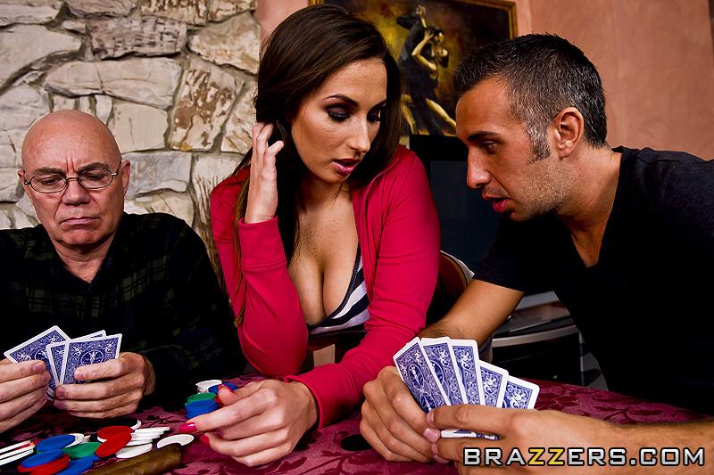 снять сексуальное напряжение сексом за покером