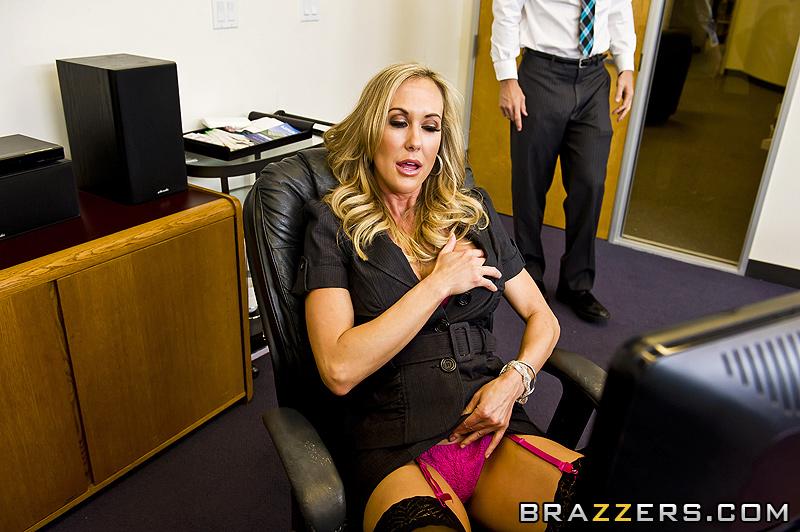 Ультиматум, сосать член у начальника, либо увольнение.