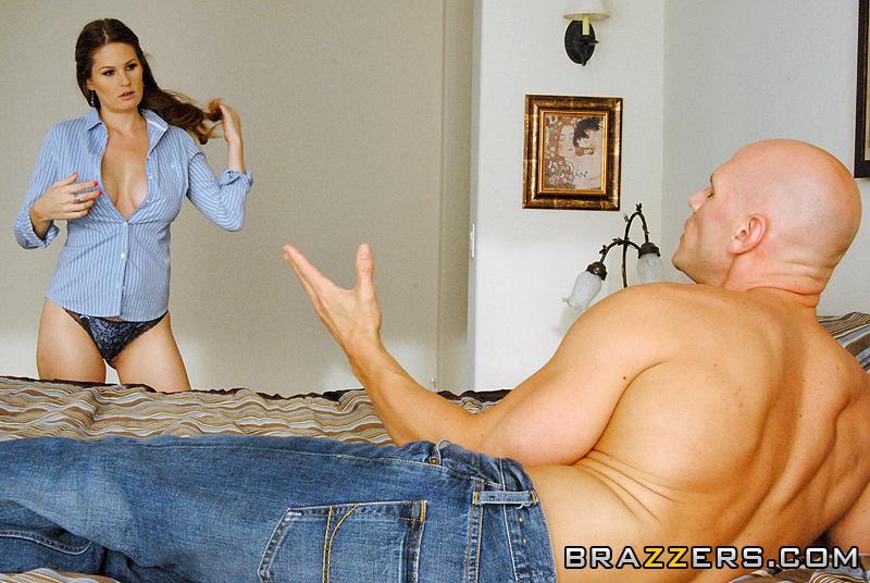 крупные и аппетитные сиськи жены товарища