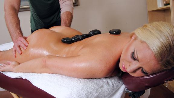порно видео в массажном салоне