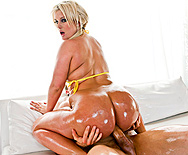 The Million Dollar Ass - Julie Cash - 5