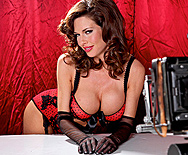 Boobies Over Broadway - Veronica Avluv - 1