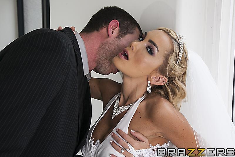 Жаркий секс на свадьбе.