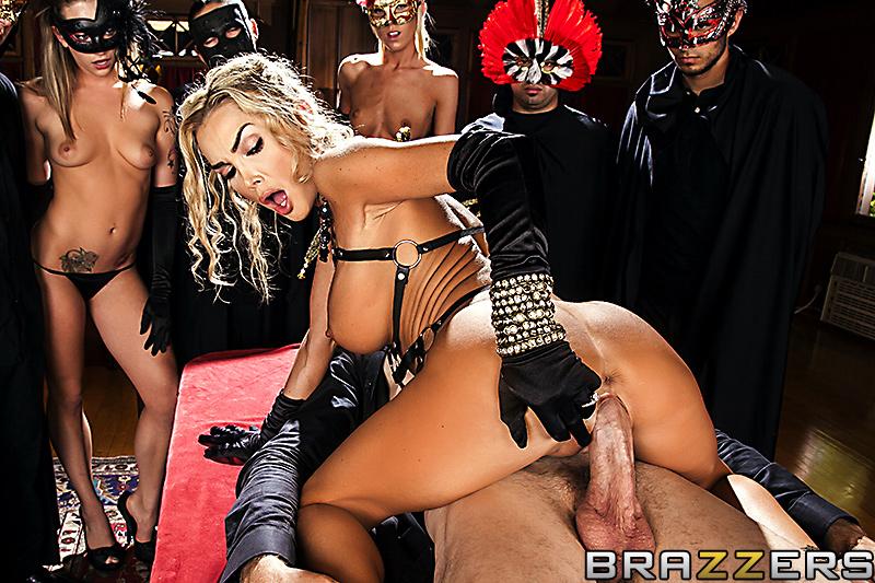 Порно ритуал оргия куколд