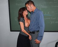 How To Handle Your Students: 101 - Veronica Avluv - 1