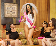 Vegas Milf Vacation - India Summer - 2