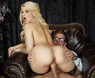 Inside The Pornstar's Studio - Anikka Albrite - 4