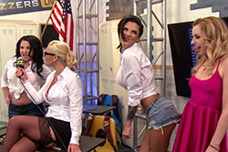 BRAZZERS LIVE 33: MILF KNOWS...