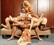 Cuarteto en la Oficina VI - Nikki Benz - Courtney Taylor - Summer Brielle - Nina Elle - 3